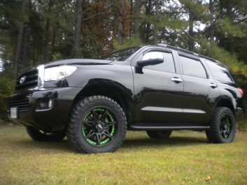 "Revtek 2.5"" Lift Kit on 2012 Toyota Sequoia"